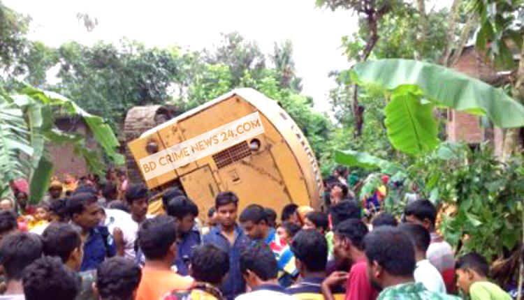 ঝিনাইদহে মাটি কাটা ভেকু উল্টে চালকের মৃত্যু